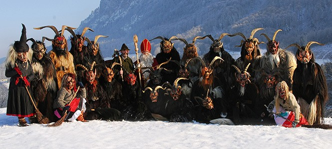 Alt Gnigler Krampus Perchten Pass